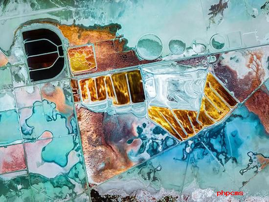 《化学池》 摄影师:Christophe Martin(法国)