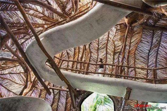 墨西哥一家艺术画廊沉浸式的树屋结构