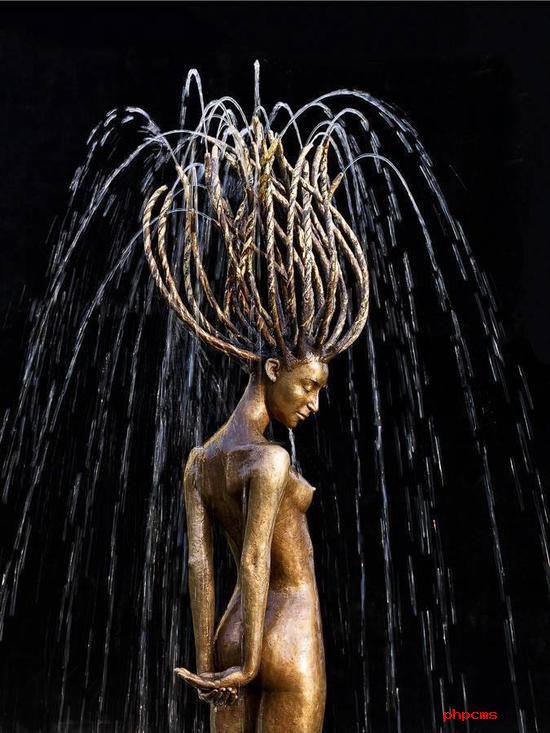 铜与水的诗意