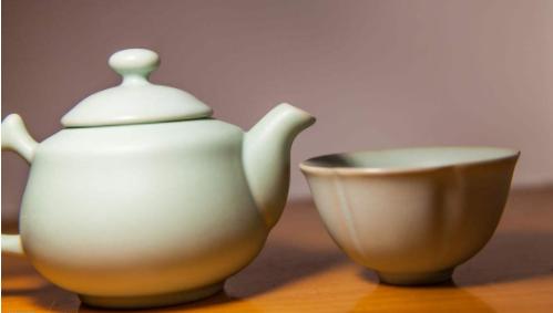 """分辨陶器与瓷器最重要的参考标准是""""釉""""吗?"""