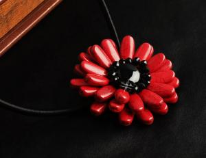 红珊瑚项链的鉴别方法