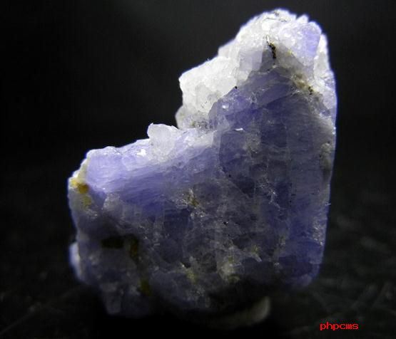 顶级坦桑石是什么样的