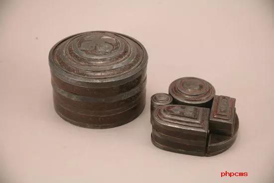 银扣彩绘描金五子奁漆盒 西汉 安徽省天长市博物馆藏