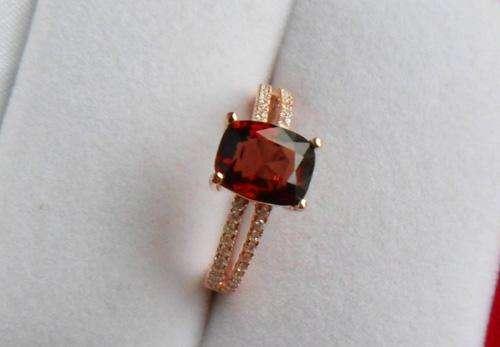 如何区分红尖晶石和红宝石